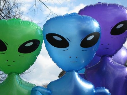 Inflatable_aliens